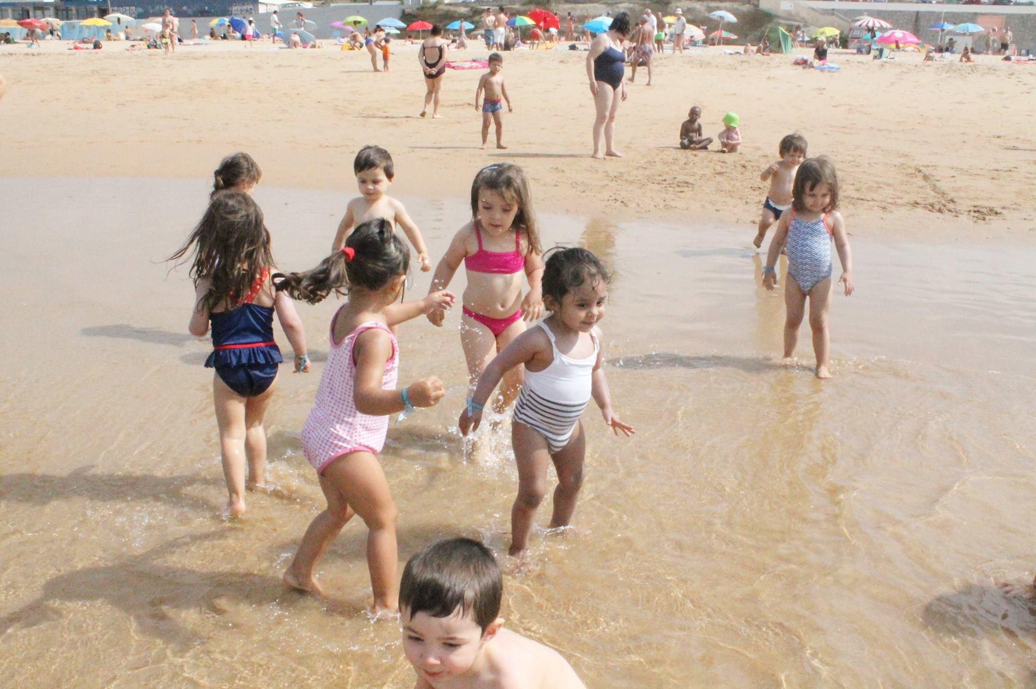 Gente Pequena na Praia
